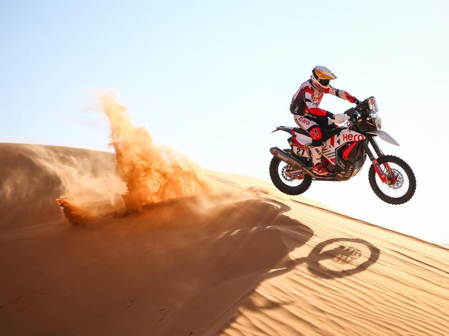 Dakar Rally 2021 si svolge in Arabia Saudita ( EPA/Julien Delfosse)
