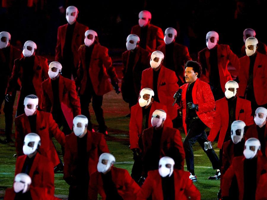 L'esibizione dei The Weeknd al Super Bowl. (Kevin C. Cox/Getty Images/AFP)