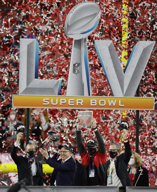 I Tampa Bay Buccaneers sono i vincitori del 55° Super Bowl. (EPA/ERIK S. LESSER)