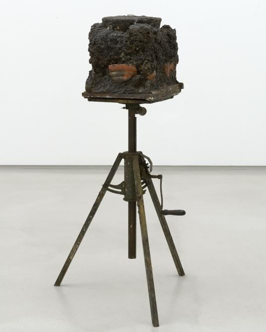 Joseph Beuys. Foto: Charles Duprat «Boothia Felix», 1958/1982. Per gentile concessione della Galerie Thaddaeus Ropac, Londra, Parigi, Salisburgo (Joseph Beuys Estate / VG-Bildkunst, Bonn, 2020)
