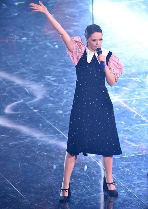 Francesca Michielin indossa Miu Miu (Photo by Jacopo Raule / Daniele Venturelli/Getty Images)