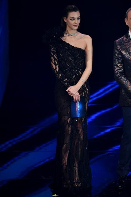 Vittoria Ceretti indossa Valentino Haute Couture  (Photo by Jacopo Raule / Daniele Venturelli/Getty Images)
