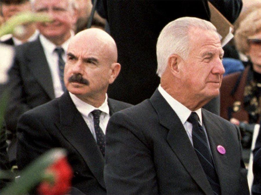 Spiro Agnew (a destra) e G. Gordon Liddy  (Photo by LUKE FRAZZA / AFP)