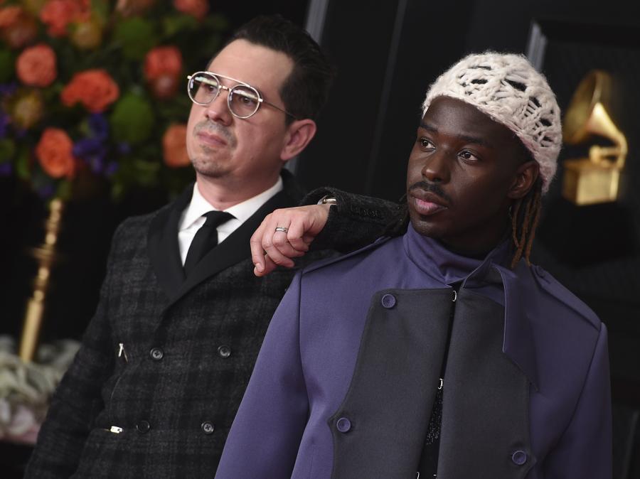 Adrian Quesada e Eric Burton. (Photo by Jordan Strauss/Invision/AP)