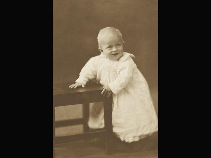 Il piccolo principe Filippo nato il 10 giugno del 1921 (Ansa)
