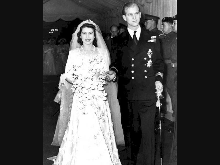 Il giorno delle nozze tra la Regine Elisabetta II e il Principe Filippo Duca di Edimburgo (Ansa)