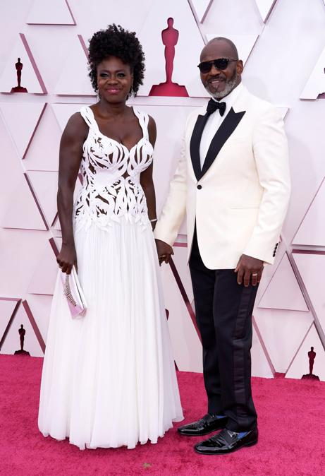 Viola Davis e Julius Tennon (Chris Pizzello/Pool via REUTERS)