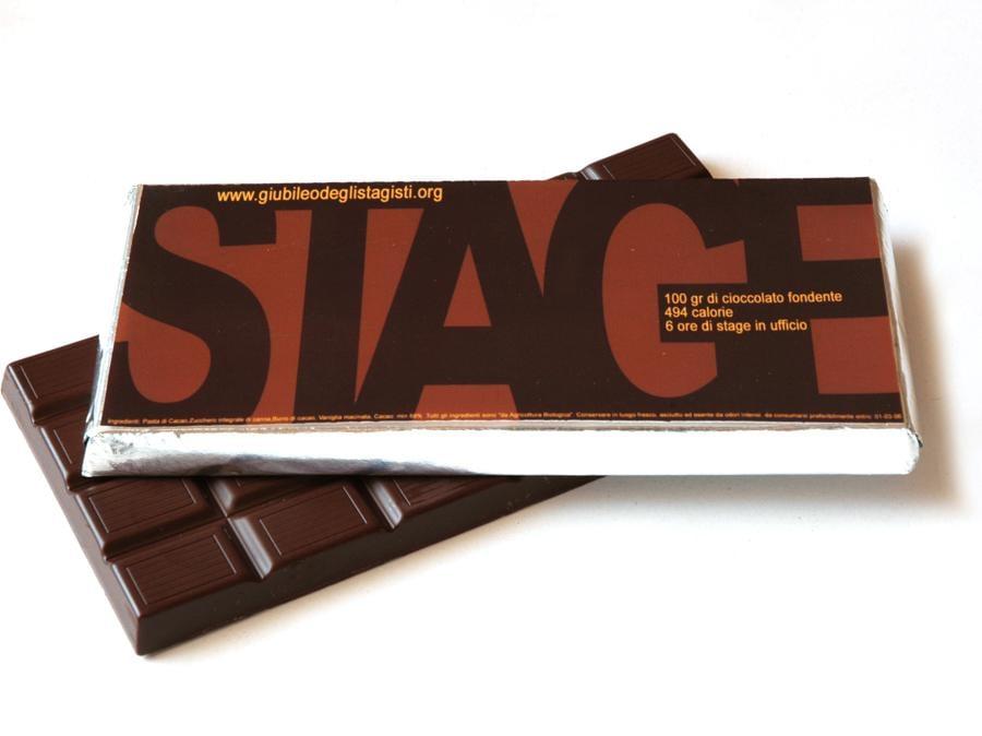 Alessandro Nassiri Tabibzadeh, Giubileo degli stagisti, 2005, database, tavolette di cioccolato. Courtesy l'artista