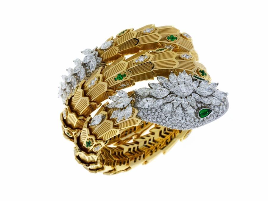 Bracciale High Jewellery Serpenti in oro bianco e giallo con diamanti e smeraldi (2000x1438)