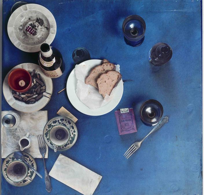 Tableau Piège, Restaurant Spoerri, 1972 (© D. Spoerri)