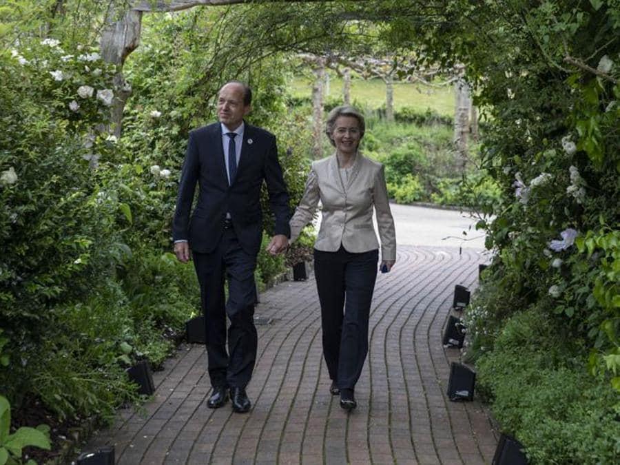 La presidente della Commissione Europea Ursula von der Leyen con il marito Heiko von der Leyen
