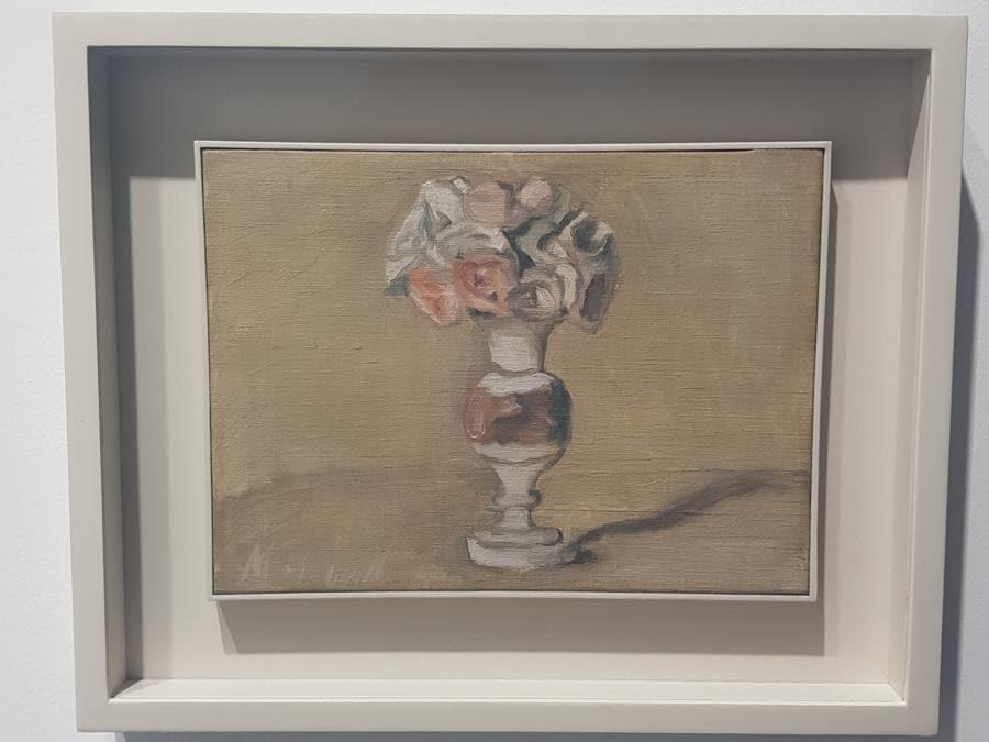 Giorgio Morandi, fiori, 1949, Olio su Tela. 22x30 cm. 1 milione di Euro la richiesta della galleria Mazzoleni