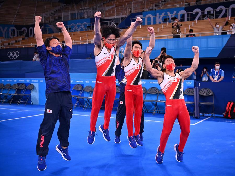 Ginnastica artistica maschile - squadra giapponese (REUTERS/Dylan Martinez)
