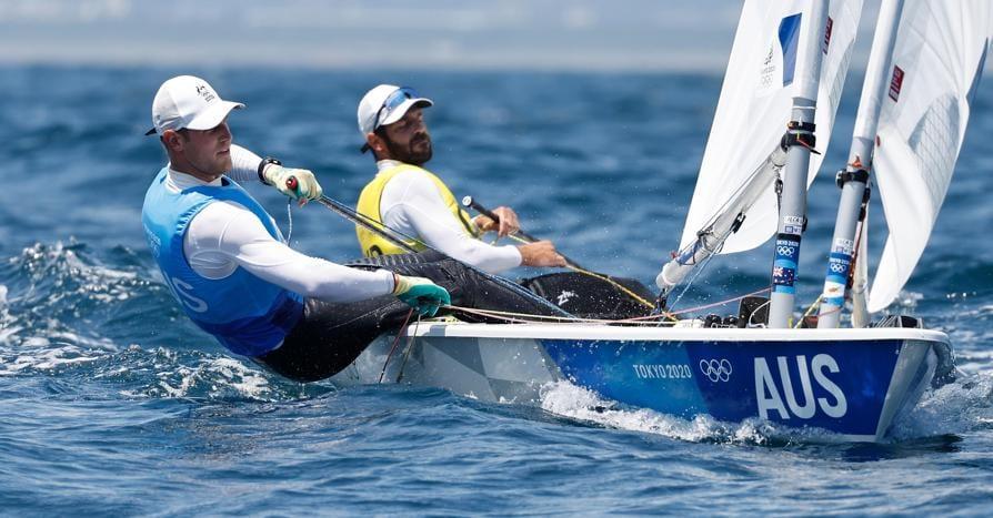 Vela maschile - Laser Class - L'australiano Matt Wearn of Australia (L) ed il cipriota  Pavlos Kontides (EPA/CJ GUNTHER)