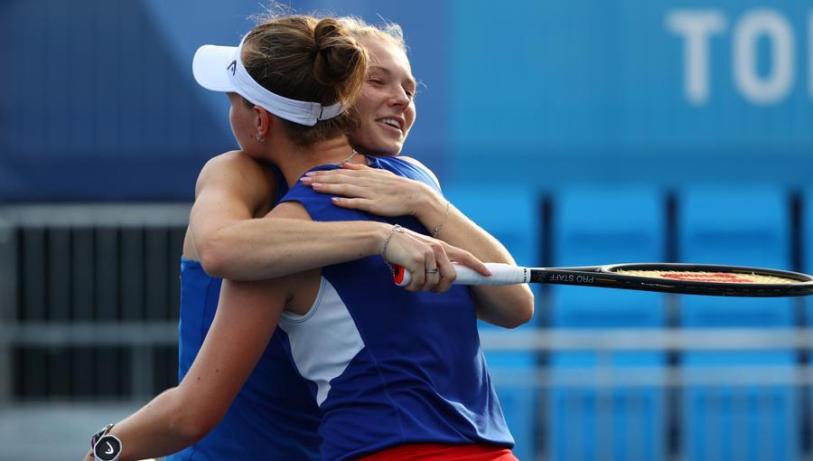 Tennis - Doppio femminile  - Semifinali - Repubblica Ceca -Russia (REUTERS/Edgard Garrido)
