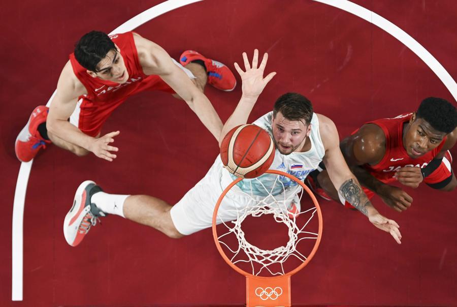 Basket maschile - Slovenia-Giappone (Aris Messinis/Pool Photo via AP)