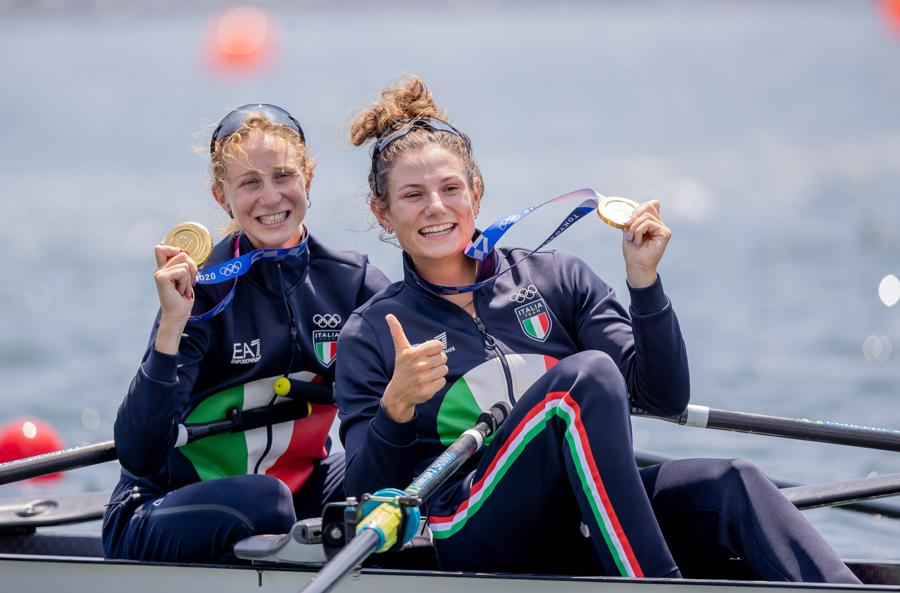 Canottaggio femminile - doppio pesi leggeri.  Valentina Rodini e Federica Cesarini vincono la medaglia d'oro (foto IPP/Zumapress)