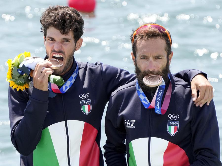 Bronzo: Stefano Oppo (sinistra) e Pietro Ruta (Canoa) - Epa/Franck Robichon