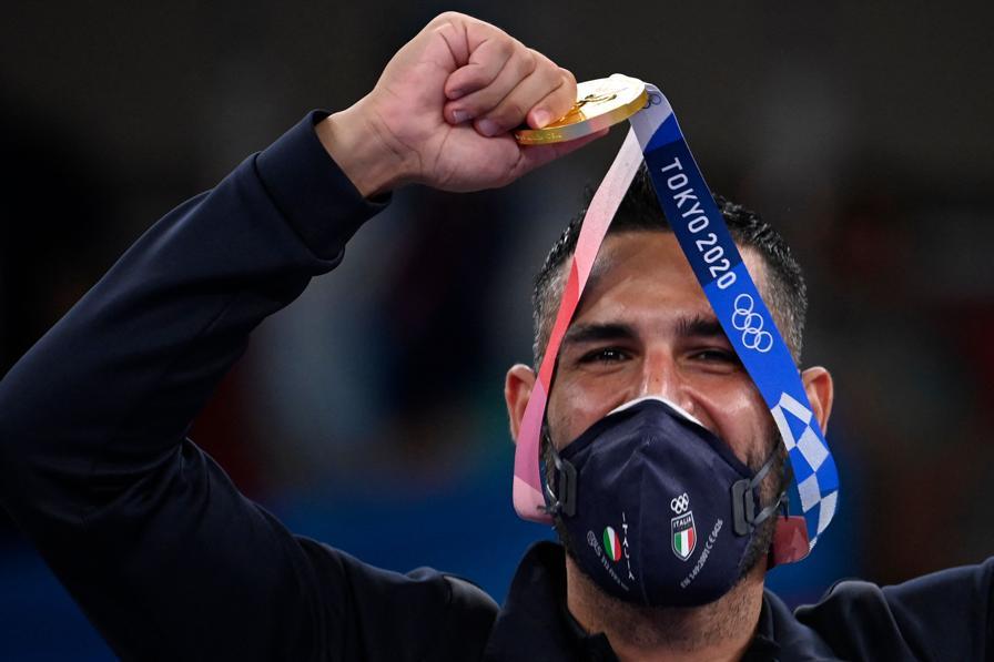Oro:  Luigi Busa (Karate - kumite maschile -75kg)   - Afp/Alexander Nemenov