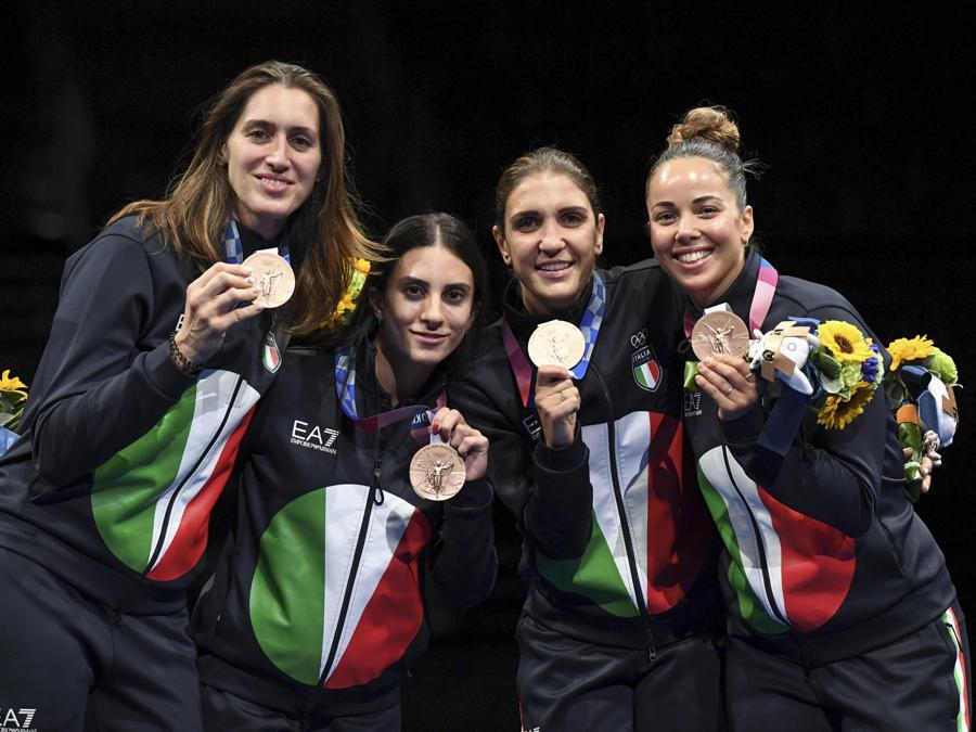 Bronzo:  Martina Batini, Erica Cipressi, Arianna Errigo e Alice Volpi (Fioretto donne a squadre) - Ansa