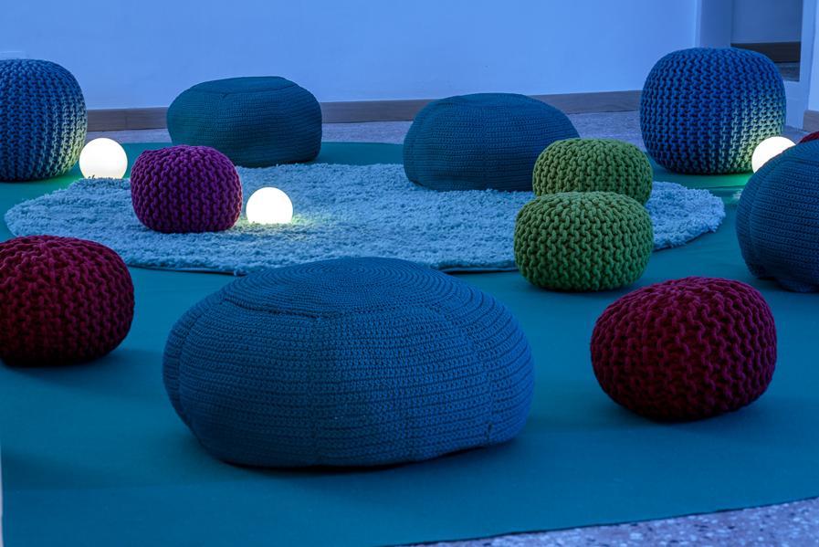 """The Garden Dreamers, l'inizio della mostra """"Alice in Doomedland"""" nella Fondation Valmont a Venezia."""