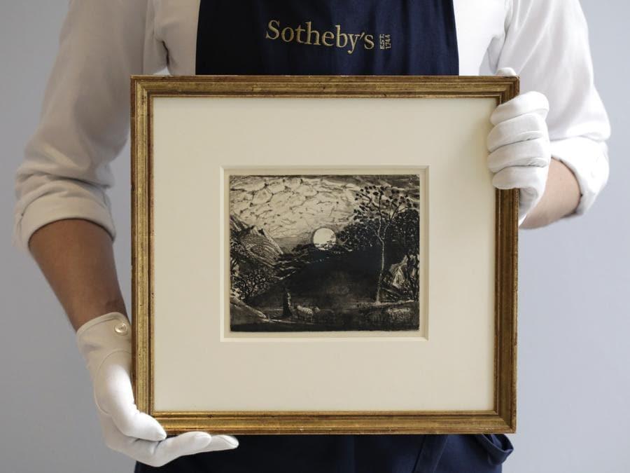Samuel Palmer, Pastore che conduce il suo gregge sotto la luna piena - acquistato per 1.588.000 £ (stima tra 700.000 - 900.000 £) (Photo by John Phillips/Getty Images for Sotheby's)