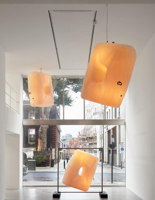 Installation view, Klara Liden, Turn Me On, Sadie Coles HQ, Londra, 3 settembre – 24 ottobre 2020. Credit: © Klara Liden, courtesy Sadie Coles HQ, London. Foto: Robert Glowacki