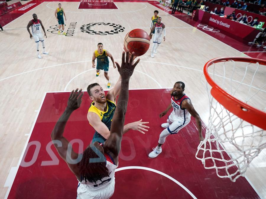 Basket: Australia-Usa  (Photo by Charlie NEIBERGALL / POOL / AFP)