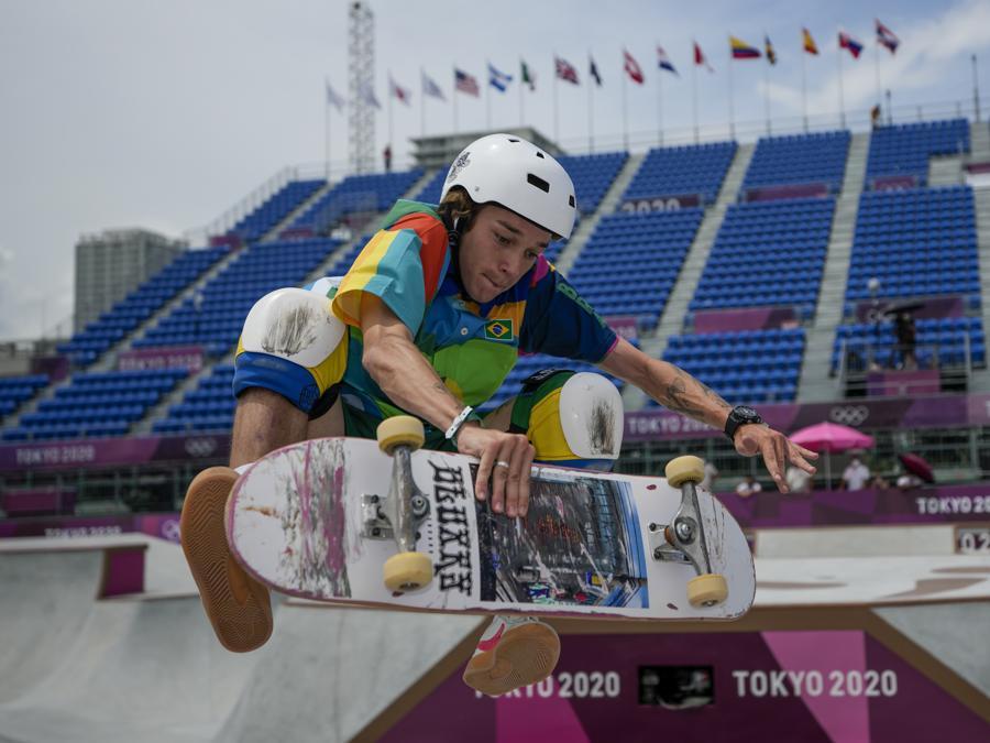 Skateboard - Il brasiliano Luiz Francisco  (AP Photo/Ben Curtis)