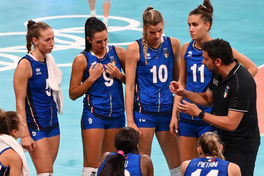 Pallavolo Femminile - Usa-Italia -Davide Mazzanti con le atlete italiane (Foto Alfredo Falcone - LaPresse)
