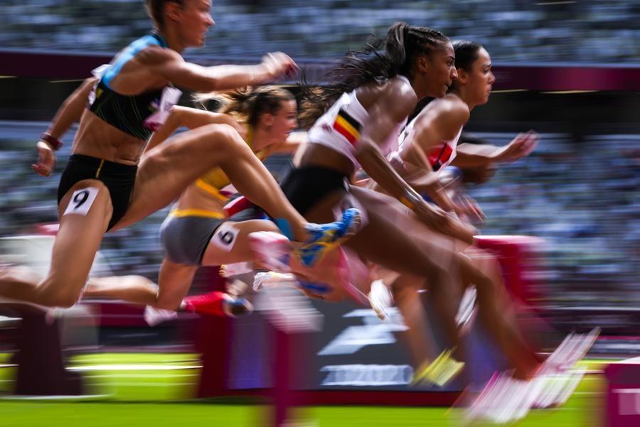 Atletica leggera - Eptathlon 100 metri ostacoli femminili (AP Photo/Francisco Seco)