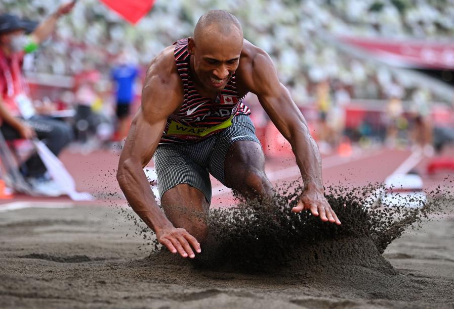 Atletica leggera - Decathlon salto in lungo maschile (REUTERS/Dylan Martinez)