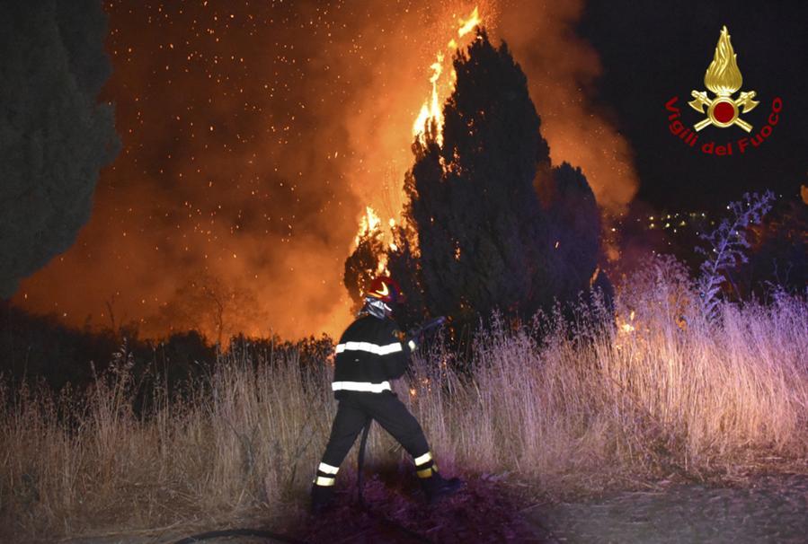 Petralia Soprana, nelle Madonie, vicino a  Palermo. (Vigili del fuoco via AP)