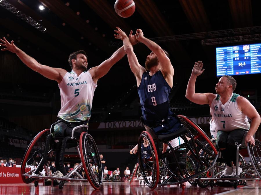 Basket in carrozina Australia - Gran Bretagna (REUTERS/Marko Djurica)
