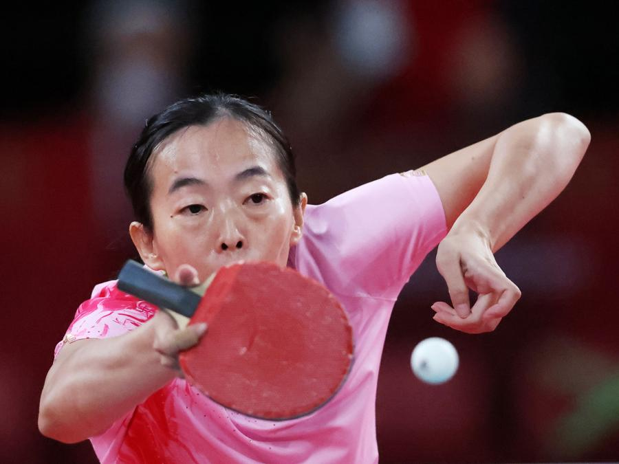 Tennis tavolo - donne  - Guiyan Xiong of China in azione (REUTERS/Ivan Alvarado)