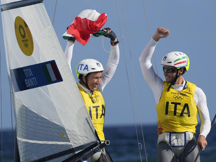 Ruggero Tita e Caterina Banti  (AP Photo/Bernat Armangue)