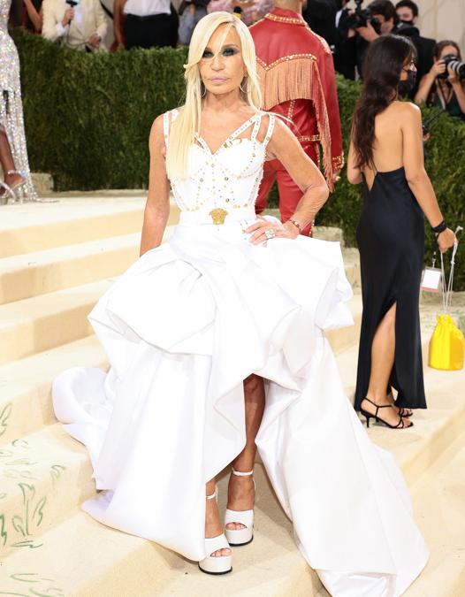Donatella Versace  (Photo by Dimitrios Kambouris / Getty images North America     / Getty Images via AFP)