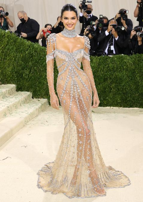Kendall Jenner in Givenchy Haute Couture  (Photo by Mike Coppola / Getty images North America   / Getty Images via AFP)