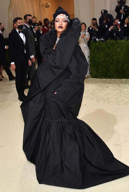 Rihanna in Balenciaga Couture    (Photo by Angela Weiss / AFP)