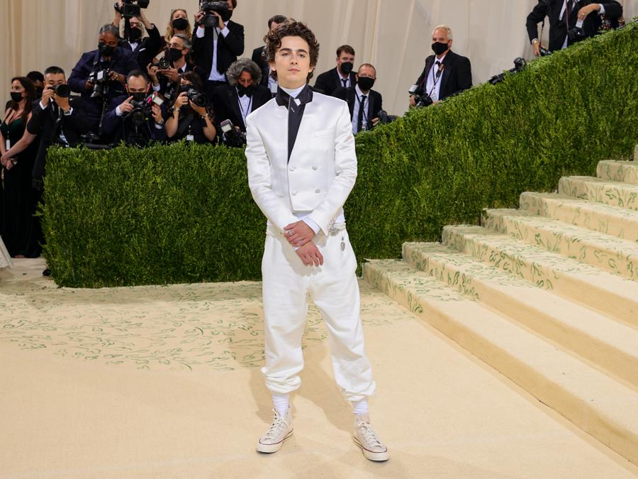 Timothée Chalamet   in Haider Ackermann e Rick Owens (Photo by Theo Wargo / Getty images North America   / Getty Images via AFP)