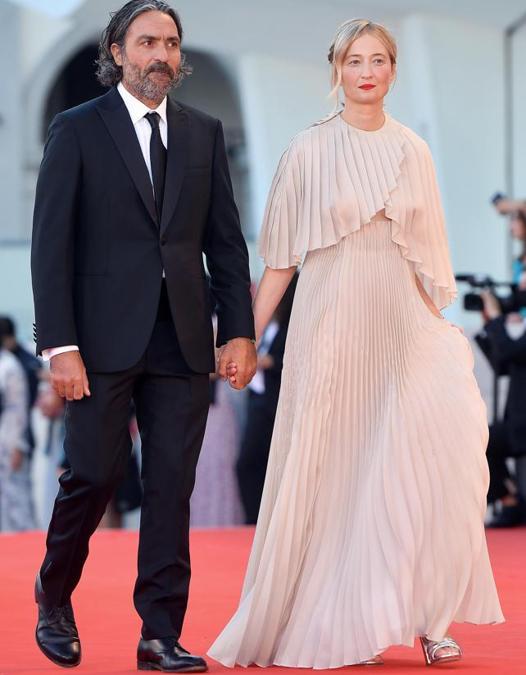 Alba Rohrwacher e Saverio Costanzo. L'attrice indossa Dior Haute Couture