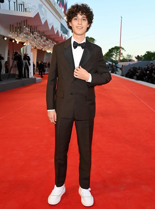Filippo Scotti indossa Prada