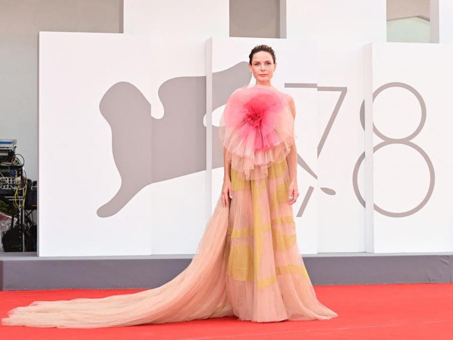 Rebecca Ferguson indossa Dior Haute Couture