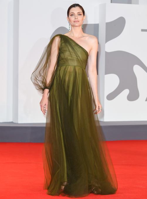 Vittoria Puccini indossa Valentino