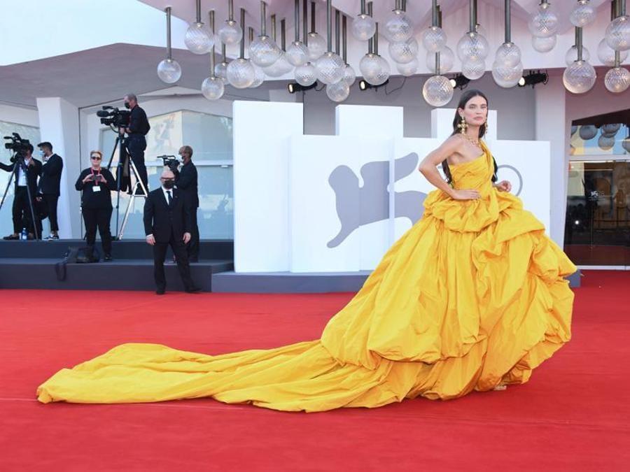Bianca Balti indossa Dolce&Gabbana