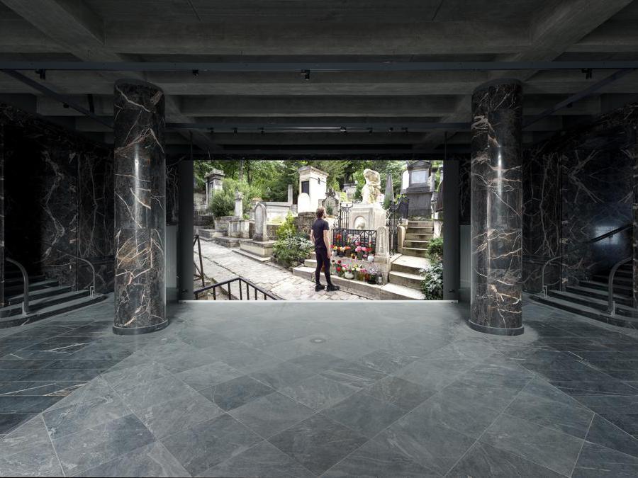 Fluentum (installation view), 2019. Photo: Moritz Hirsch. Courtesy of Fluentum, Berlin. Guido van der Werve. Number fourteen – home (film still), 2012. Courtesy Studio Guido van der Werve