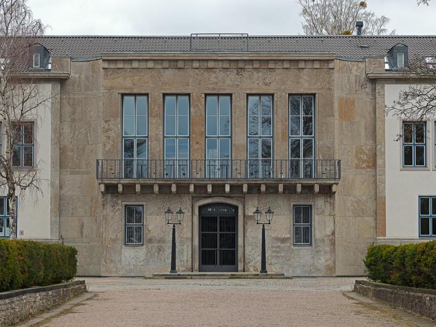 Fluentum (exterior), 2019. Photo: Moritz Hirsch. Courtesy of Fluentum, Berlin