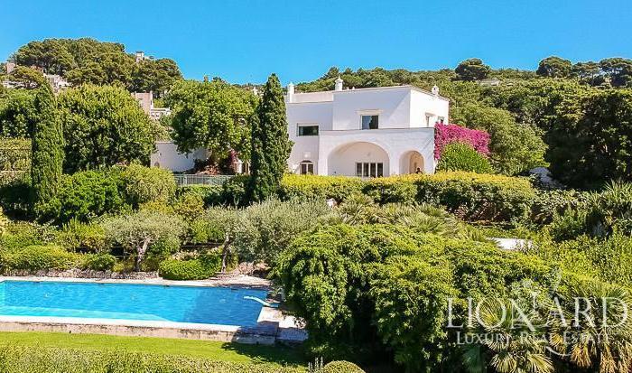 In vendita la villa di Capri dove soggiornò Totò