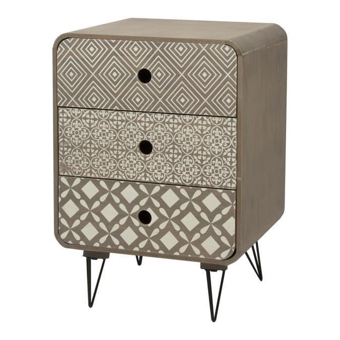 Andrea Fontebasso 1760, linea di complementi di arredo Abacus; comprende mobili contenitori di diverse dimensioni, un tavolino, vassoi. Realizzati in mdf, abbinano tre diversi motivi geometrici dal gusto optical, in tipico stile nordico.