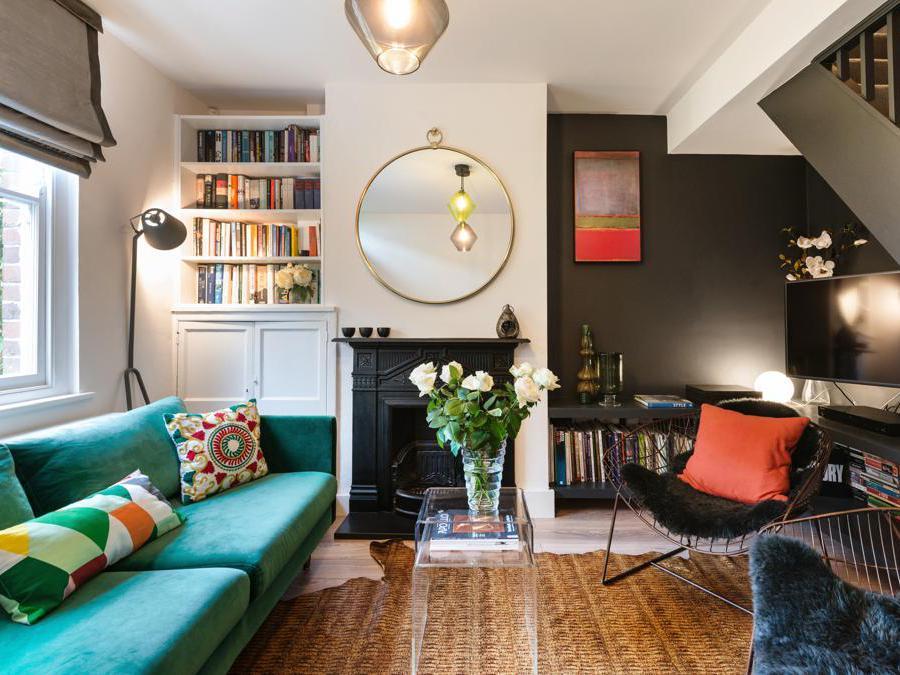 Airbnb Plus, appartamento Londra. Airbnb Plus è una selezione di case che offrono la massima qualità, con host che si distinguono per le ottime recensioni e l'attenzione ai particolari. Ogni casa viene verificata attraverso un controllo qualità di persona per garantire i più alti standard di eccellenza e design